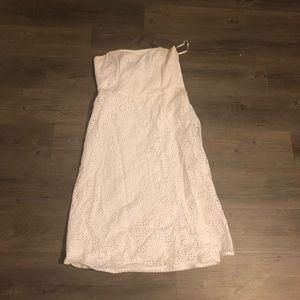 Banana Republic white strapless dress. Size 8